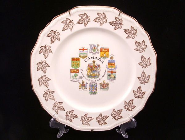 CANADA Gold Souvenir Plate Coat of Arms MN