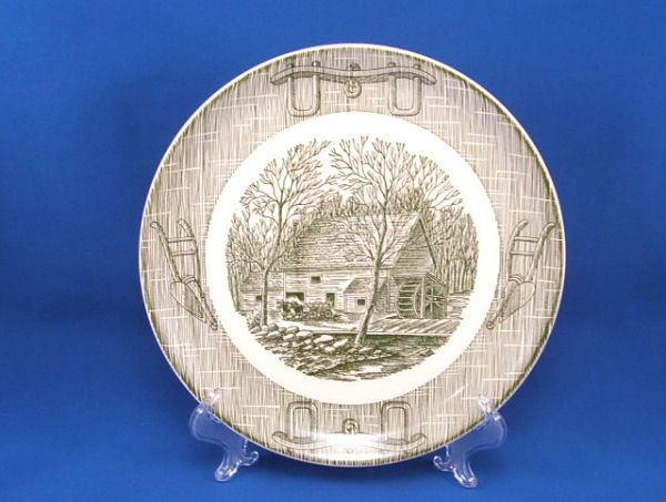 OX YOKE and PLOW GREEN Grist Mill Plate Mint